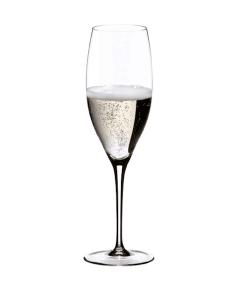 Ein Glas von Riedel für Schaumwein
