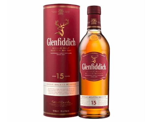 Eine Flasche der Marke Glenfiddich